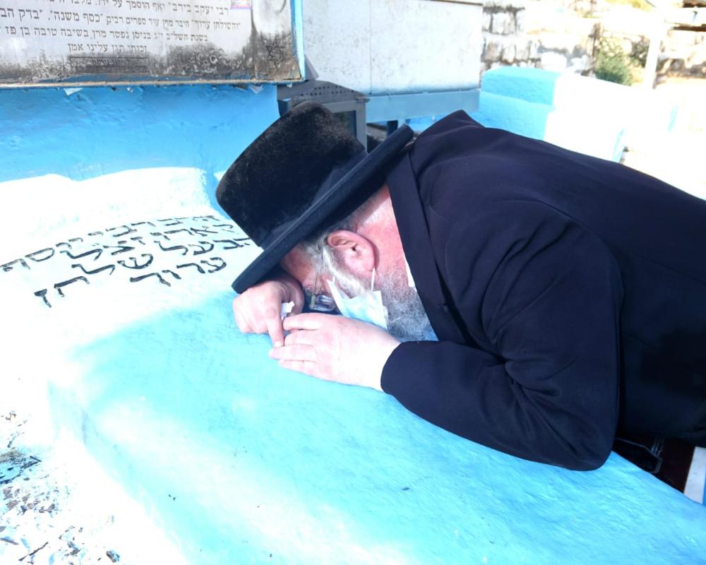במסע לקברי צדיקים בה_ אב (1)